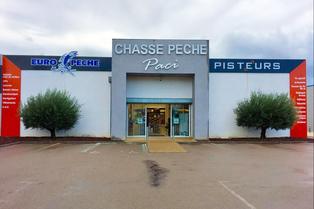 Chasse Pêche Paci Clermont l'Hérault vend des articles de chasse et de pêche.(® paci)