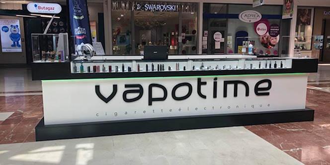 Vapotime Béziers vend des e-liquides et des cigarettes électroniques. C'est un partenaire de Vincent dans les Vapes.